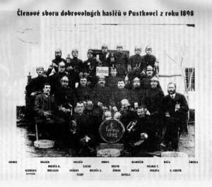Fotografie zakladatelů z roku 1898
